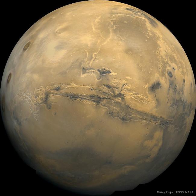 Valles Marineris: Velký kaňon na Marsu - bližší popis hned za touto fotografií