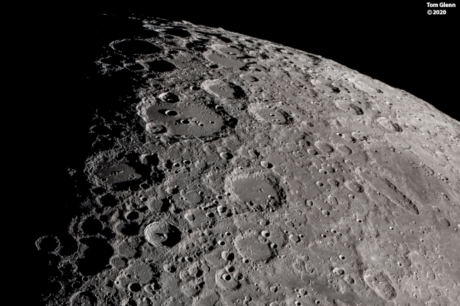 Krajina jižního Měsíce - bližší popis hned za touto fotografií